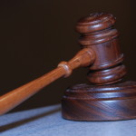 W wielu losach ludność potrzebują pomocy prawnika